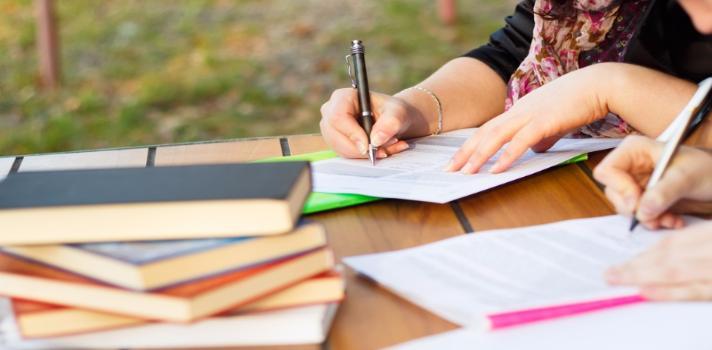Estudiar en el extranjero es una buena inversi n fiscored - Que hay que estudiar para ser decorador ...